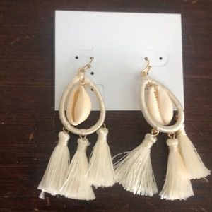 NWT Off white tassel earrings with shell detail